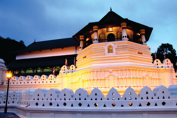 Temple of tooth relic | walklankatours.com